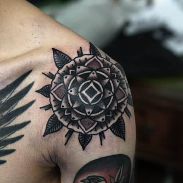 male shoulder tattoos ideas